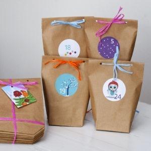 Adventskalender Printe, zum Selbstbefüllen, handmade Aufkleber und klimaneutrale Papier-Tütchen