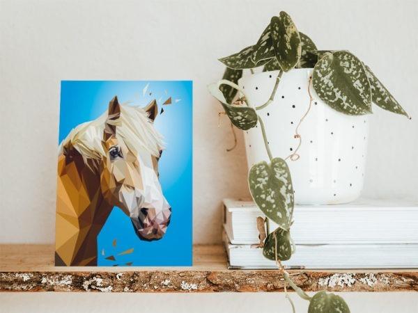 Hafflinger Postkarte, Tierportrait im Lowpoly-Stil, Illustration von Annika Kuhn, klimaneutral und in Kleinserie produziert